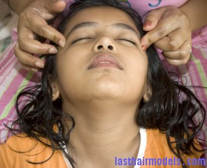 indian head massage 1 300x244 Perfect Hair massage.