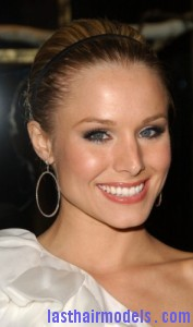 kristen bell5 177x300 Kristen Bells Sleek Updo