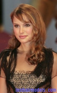 natalie portman4 184x300 Natalie Portmans One Sided Twist
