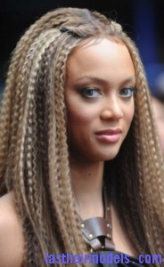tyra banks5 184x300 Tyra Banks Crimped Hairstyle