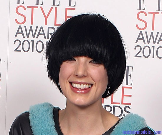 Agyness Deyn Agyness  Deyn 's Bowl cut hairstyle: Ultra chic chick!