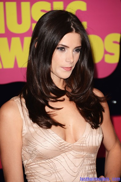 Ashley+Greene+Dresses+Skirts+Beaded+Dress+ArDKjWvnoBzl Ashley Greene's layered waves: Appealing as ever!