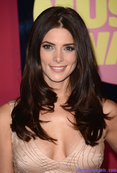 Ashley+Greene+Dresses+Skirts+Beaded+Dress+b7NjoYo0VRrl1 Ashley Greene's layered waves: Appealing as ever!