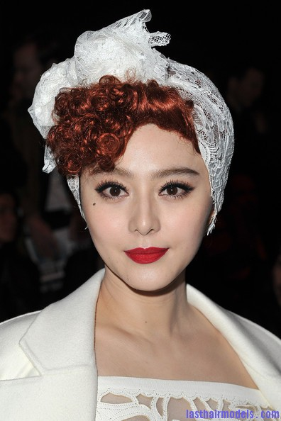 Fan+Bingbing+Louis+Vuitton+Front+Row+Paris+Grmk28nZdiql Fan Bing Bing retro brunette curly hairstyle: Covering with an upside bandana!