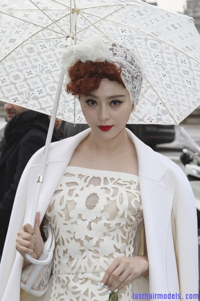 Fan+Bingbing+Louis+Vuitton+Outside+Arrivals+yvdc0GBqWMCl Fan Bing Bing retro brunette curly hairstyle: Covering with an upside bandana!