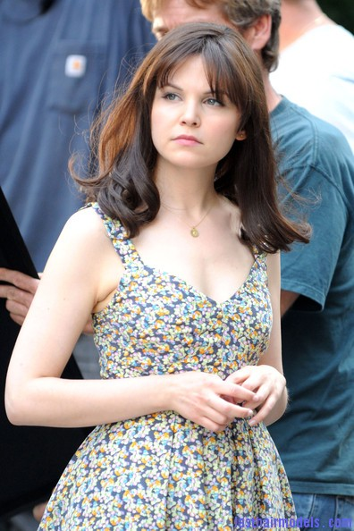 Ginnifer+Goodwin+Shoulder+Length+Hairstyles+THbn5qO59X4l Ginnifer Goodwin's  thick bottle curls: Bob grown to natural waves!