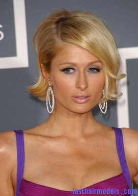 Paris Hilton 2 Paris Hilton's asymmetrical bob: Peppy hairstyle!