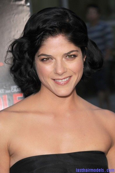 Selma+Blair+Short+Hairstyles+Bob+hjltAVgOvaLl1 Selma Blairs Short curly hair bob: Volumed curly hairdo!