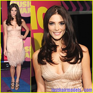 ashley greene cmt awards Ashley Greene's layered waves: Appealing as ever!