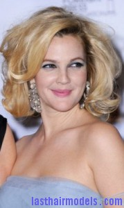 drew barrymore6 179x300 Drew Barrymores Sloppy Tease Hair