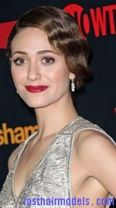 emmy rossum4 168x300 Emmy Rossums Marcel Waves