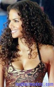 halle berry2 188x300 Halle Berry With Water Waves
