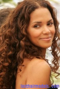 halle berry3 204x300 Halle Berry With Water Waves