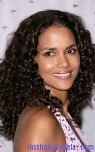 halle berry7 188x300 Halle Berry With Water Waves