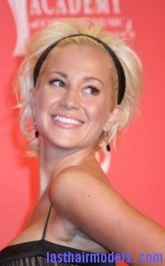 kellie pickler4 186x300 Kellie Picklers Hairstyle With Headband