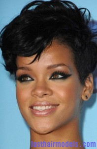 rihanna1 197x300 Rihanna With Tapered Hairstyle
