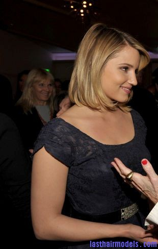 139475306 Dianna Agron's side swept finger chunks: Simple hairstyle made pristine!