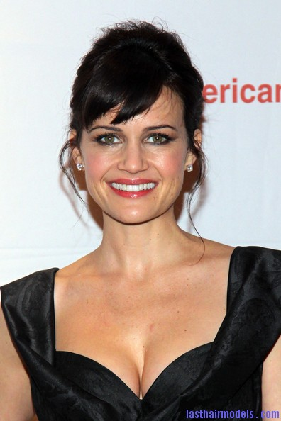 Carla+Gugino+Updos+French+Twist+4T4GfaepB5Vl Carla Gugino's front bangs: The 'w' style statement!