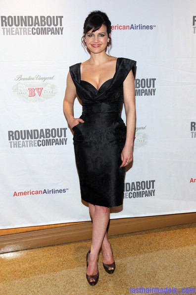 Carla+Gugino+Updos+French+Twist+Em2DBAnKe0 l Carla Gugino's front bangs: The 'w' style statement!