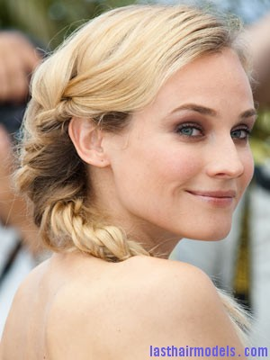 Diane Kruger24 Diane Kruger's 'Y' shaped messy plait: Styling is fun!
