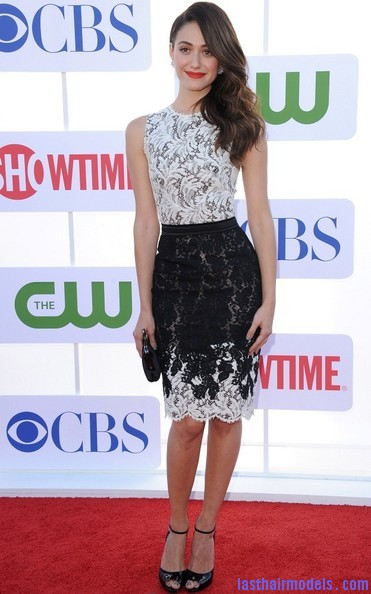 Emmy+Rossum+Long+Hairstyles+Retro+Hairstyle+6jQ4u63AzvTl Emmy Rossum's messy waves: Swept to one side hastily!