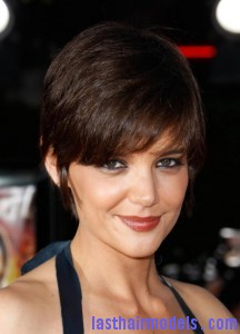 Katie Holmes Pixie Haircut1 216x300 Premiere Of Dreamworks Pictures Tropic Thunder   Arrivals