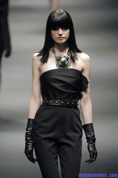 Lanvin+Fall+2010+NdHP3O1 83fl Simple straight loose hair with ruling bangs: Dark sleekness!