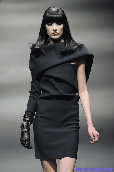 Lanvin+Fall+2010+kd lz5mqnW1l Simple straight loose hair with ruling bangs: Dark sleekness!