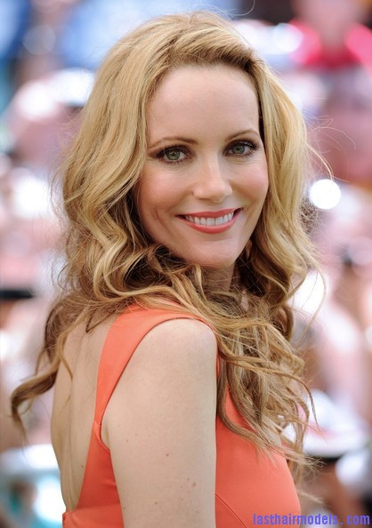 Leslie+Mann+Long+Hairstyles+Long+Curls+CQm2S93kcxol Leslie Mann's bouncy curls: Bouncing for life!