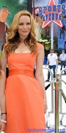Leslie+Mann+Long+Hairstyles+Long+Curls+O1pVtOrtAvLl Leslie Mann's bouncy curls: Bouncing for life!