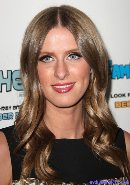 Nicky+Hilton+Long+Hairstyles+Long+Curls+zFkbahfmV8wl Nicky Hilton's chunky curls: Polished to perfection!