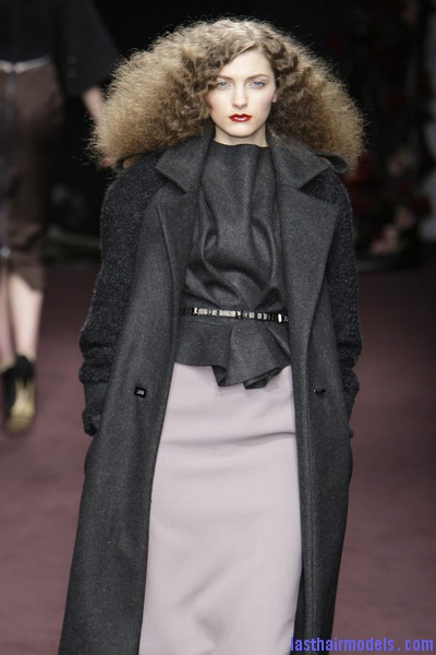 Roksanda+Ilincic+Fall+2010+e qS6 sbdnal Ultra  frizzy manes: Nineties in fashion!
