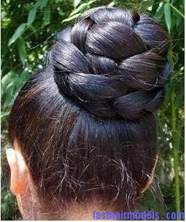 The Braided Bun Crest blob hairstyle.