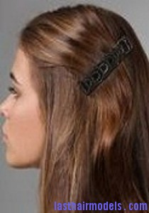 barrettes hairstyle4 210x300 Hairstyle With Barrettes
