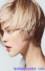 diagonal bob8 192x300 Diagonal Bob Hairstyle