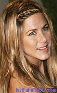 jennifer aniston2 185x300 Methods To Braid Fringes