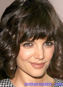 katie holmes4 219x300 Hairstyle With Irregular Bangs