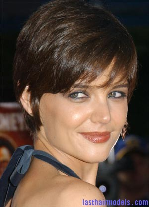 katie short crop Katie Holmes short crop hairstyle: Sexy and attractive!