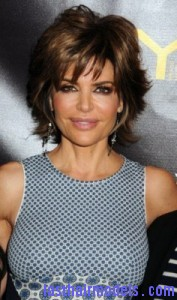 lisa rinna 177x300 Short Shag Hairstyle