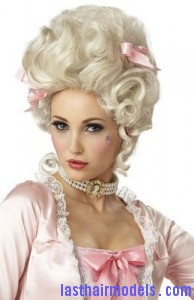 marie antoinette2 194x300 Marie Antoinette Hairstyle