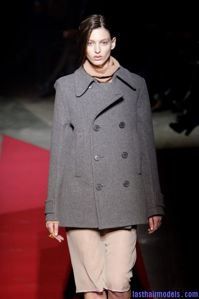 Maison+Martin+Margiela+Fall+2010+jwmx2GI8xAvl  Sleek Side swept hairstyle: Tied at the back!