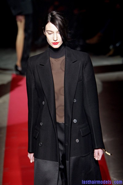 Maison+Martin+Margiela+Fall+2010+xa8OlAZOv87l  Sleek Side swept hairstyle: Tied at the back!