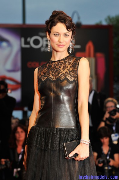 Olga+Kurylenko+Wonder+Premiere+69th+Venice+eIoXr81lOs5l Olga Kurylenko's curled updo: Making the most in panache!