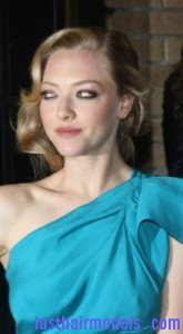 amanda seyfried4 165x300 Lazy Chignon