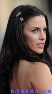 jessica lowndes3 169x300 Pinning Up One Side Hair