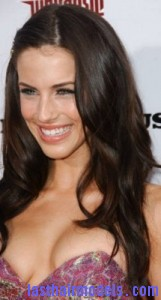 jessica lowndes4 161x300 Pinning Up One Side Hair