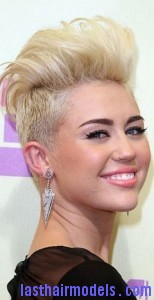 miley cyrus3 154x300 Semi Pompadour Hairstyle