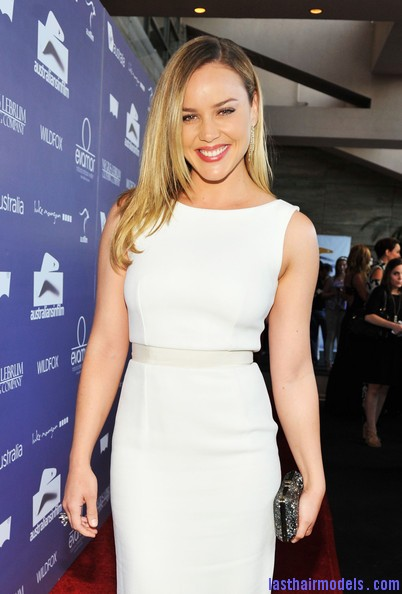 Abbie+Cornish+Dresses+Skirts+Cocktail+Dress+KrHYZqRmMmDl Abbie Cornish's simple straight loose hair: Straight sleekness!