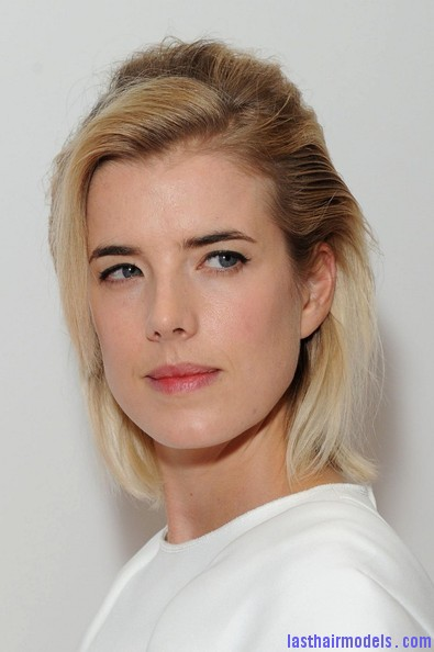 Agyness+Deyn+Updos+Half+Up+Half+Down+7pJVER0264Cl Agynesss side swept half tie:  Every inch feminine!