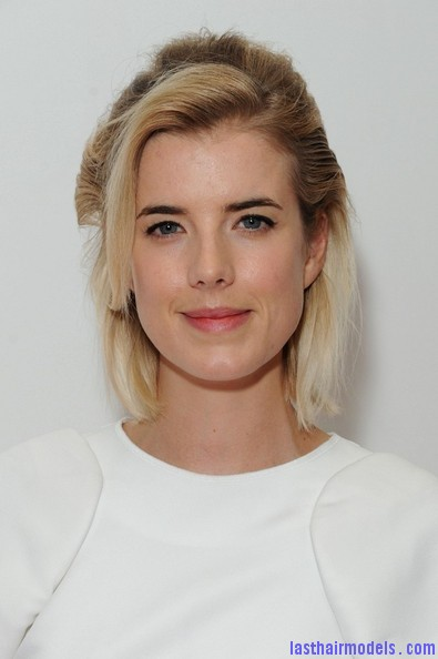 Agyness+Deyn+Updos+Half+Up+Half+Down+UUU9BfxPYZzl Agynesss side swept half tie:  Every inch feminine!